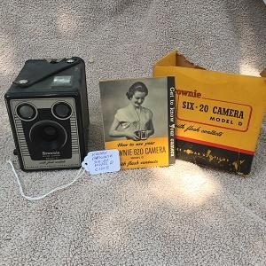 Kodak Brownie Six-20 Model D